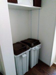 キッチンの収納の写真